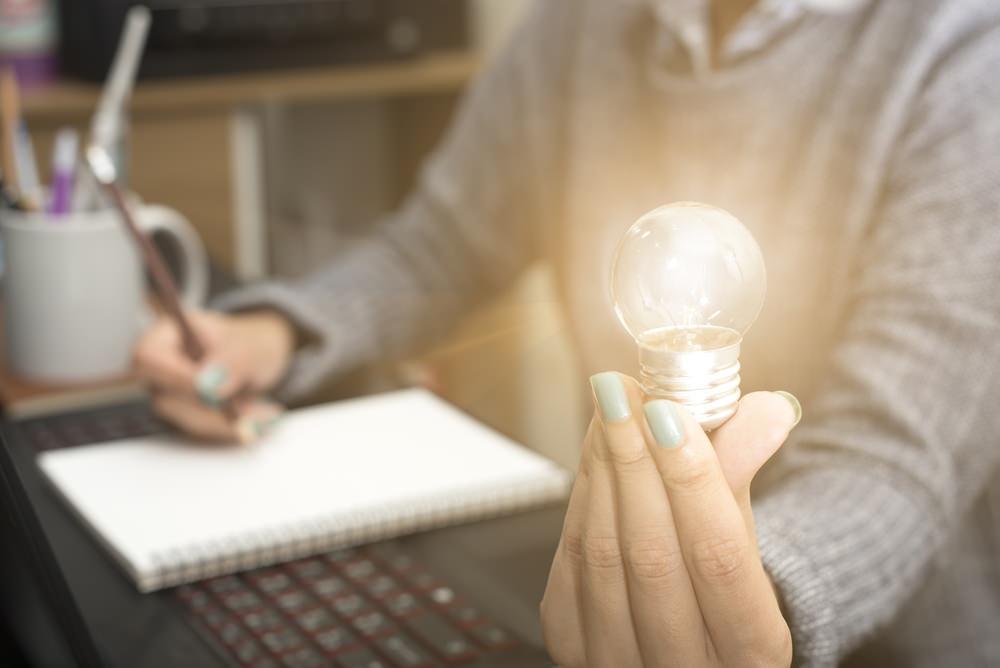 Bild: Ob für einen selbst eine Restschuldversicherung sinnvoll ist, hängt auch von den persönlichen Gegebenheiten ab. Bildquelle: This Is Me – 562155895 / Shutterstock.com